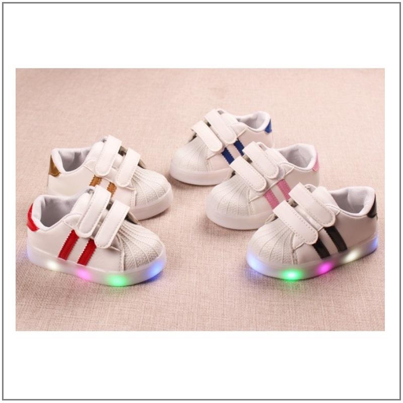 Dětské svítící boty / K02-00003