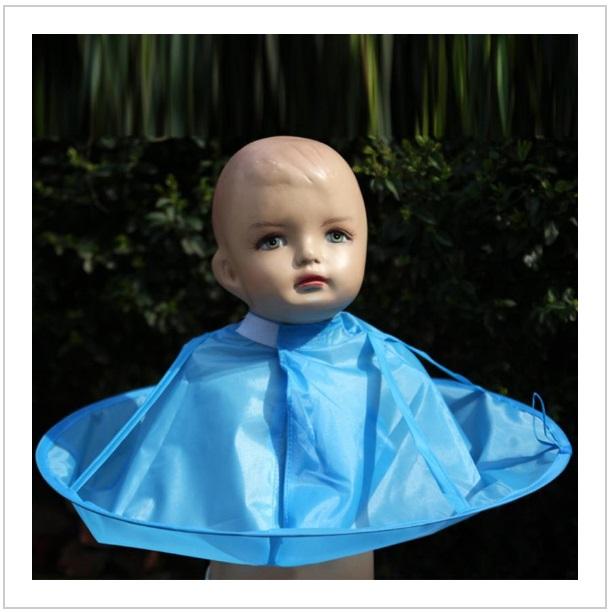 Dětská nepromokavá zástěra pro stříhání vlasů / dnk-13-01214