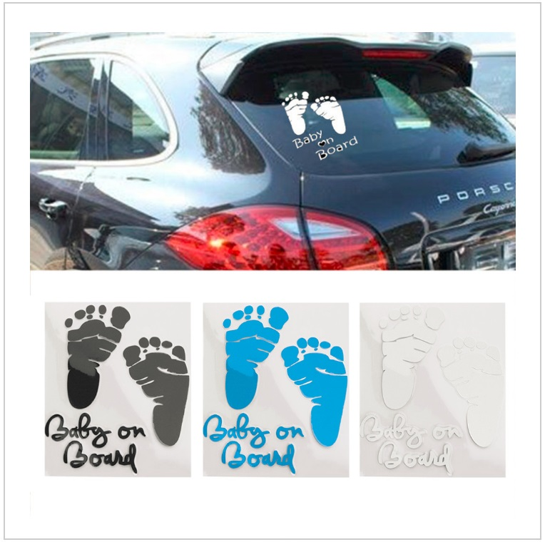 Samolepka na auto - Dítě v autě - nožičky / AT-00157