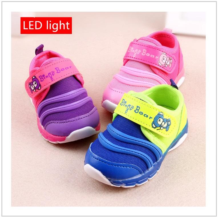 Dětská svítící obuv / AT-00359