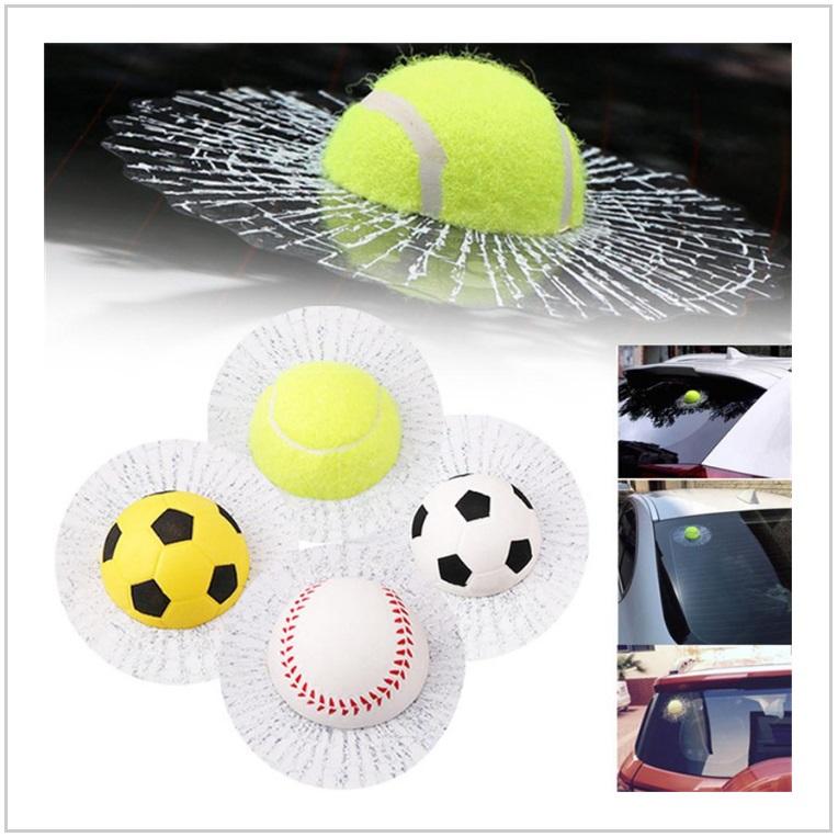 Samolepka na auto - míček / AT-00317