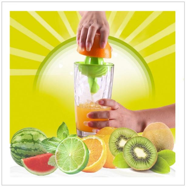 Odšťavňovač ovoce a zeleniny / tnk-13-00535