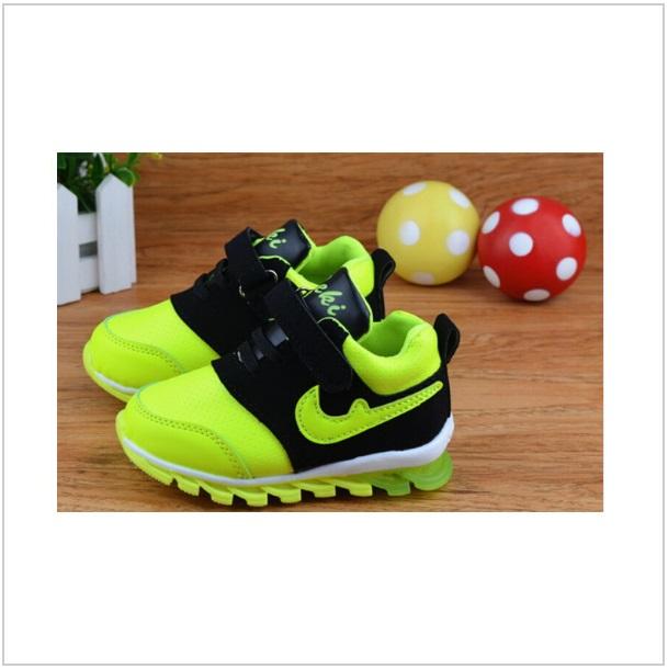 Dětská svítící sportovní obuv / dnk-13-00730b