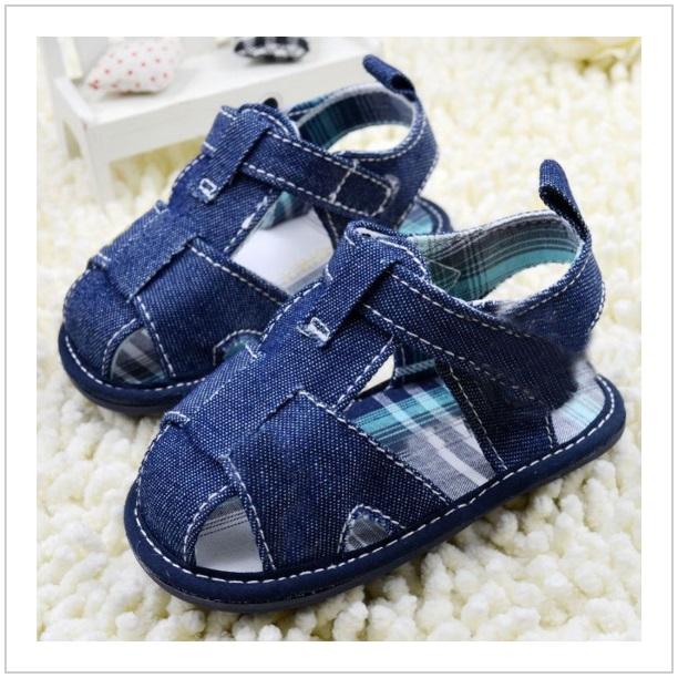 Dětské sandálky / dnk-13-01110