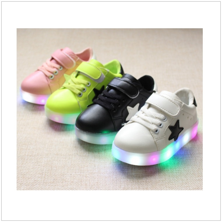 Dětská svítící obuv / tnk-13-02579