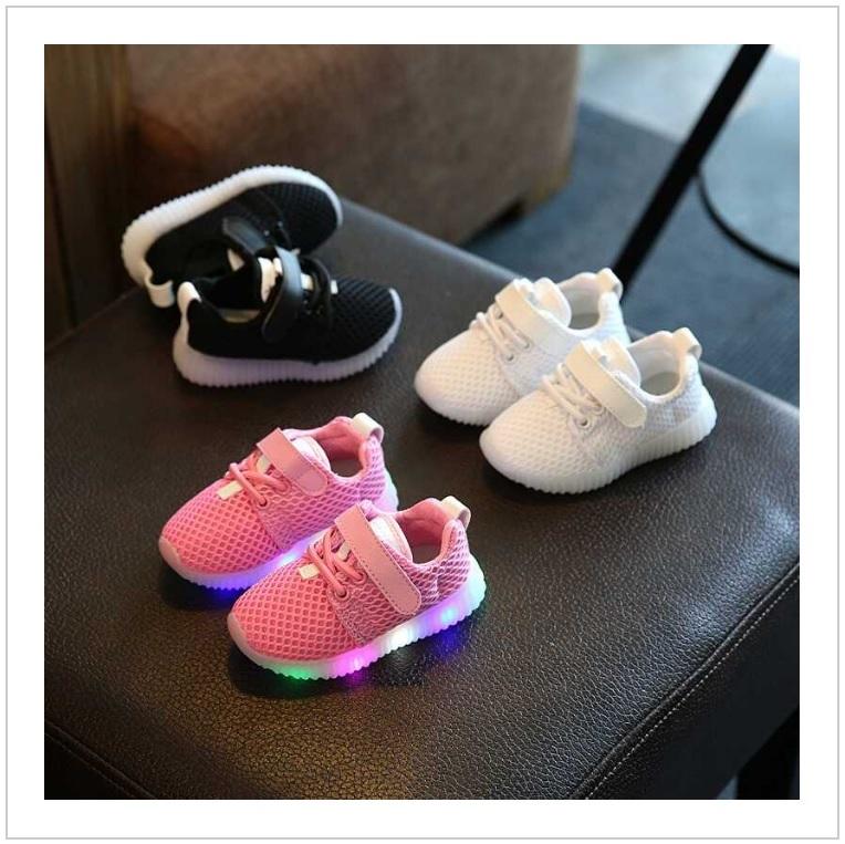 Dětská svítící obuv / tnk-13-02583