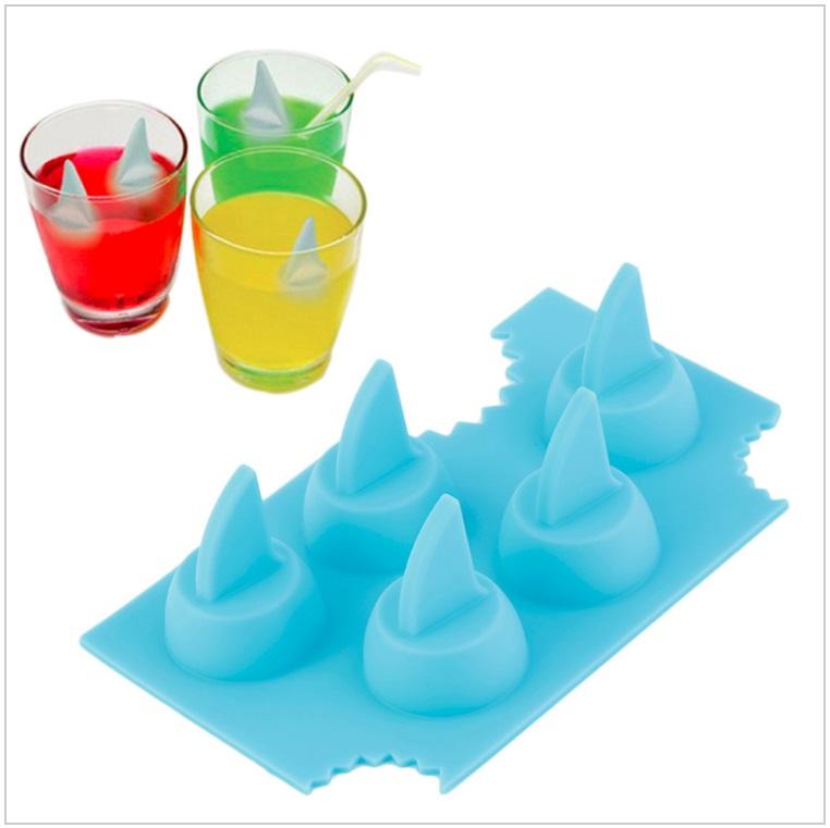 Silikonová forma na led - žraločí hřbetní ploutev / tnk-13-02627